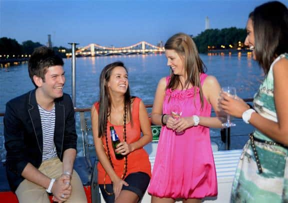 Bateaux_London_Dinner_Cruise