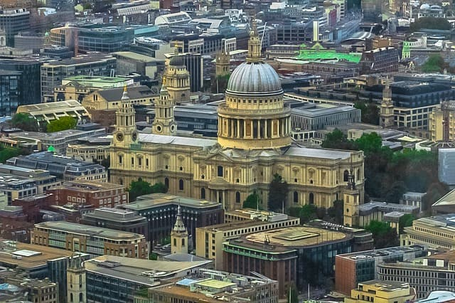 Visit cathedrale-st-pauls-in-London